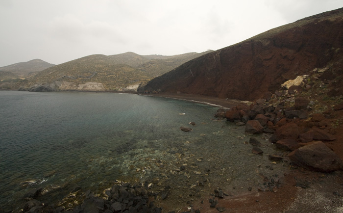 A wet afternoon at the Red Beach on Santorini's south coast