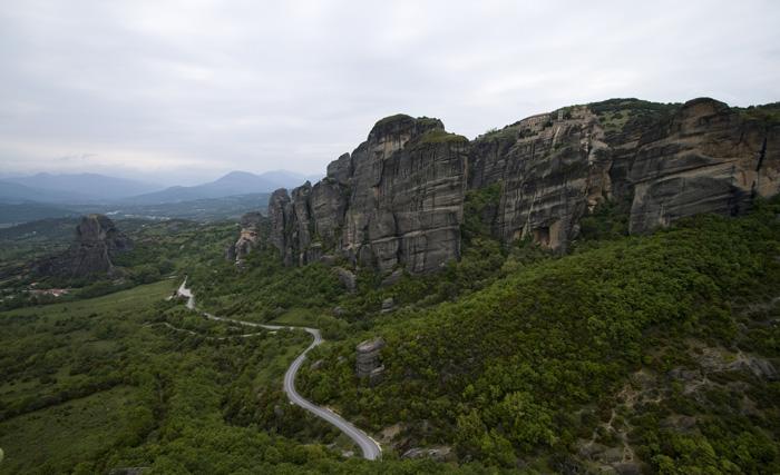 The road down past Moni Agiou Nikolaou Anapafsa