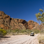 Driving between Mini Palms Gorge and Echidna Chasm