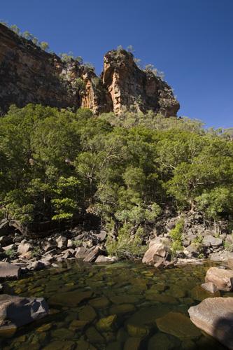 The hike into Jim Jim Falls