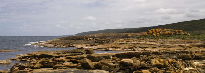 Looking north up the coast from Cape Leeuwin