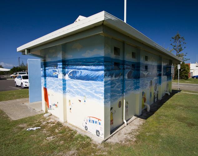 Raibow Beach toilets