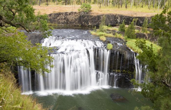 Millstream Falls: Australia\'s widest waterfall