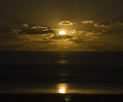 Stunning moonrise over the ocean from Guruman