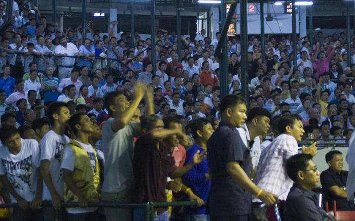 Muay Thai fighting at Lumphini Stadium
