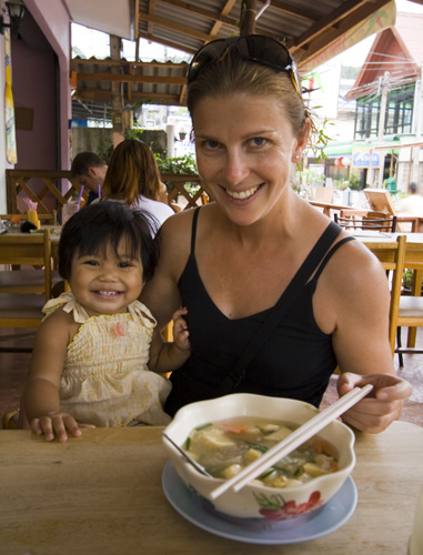 Lisa and the daughter of one of the chefs at our favorite Thai restaurant in Sairee Village