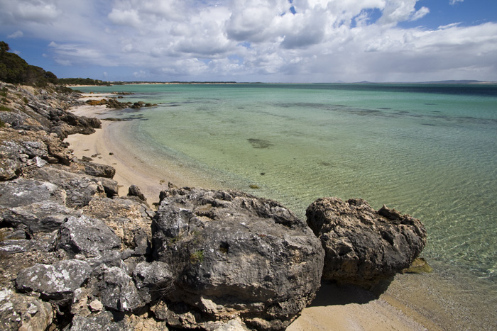 Beaches along the eastern coastline of Coffin Bay National Park