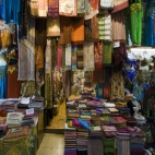 Fabrics and shawls in the Grand Bazaar