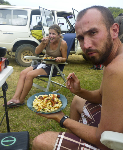 Sam and Lisa eating dinner at Johanna Beach