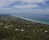 Looking south along the western coast of the Mornington Peninsula from Arthur\'s Seat