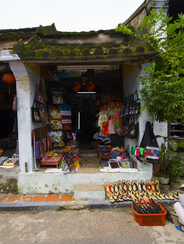 Shoes and fabrics in Hoi An\'s old town