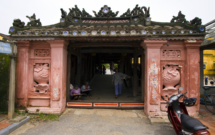 The Japanese Covered Bridge leading into Hoi An\'s old town