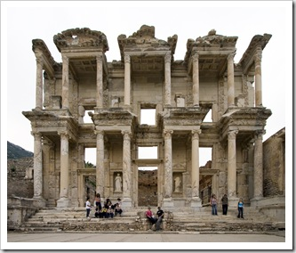 Sam and Lisa in one of Ephesus' main attractions: the Library of Celsus