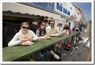 Lunch at Gefsis Souvlaki in Fira