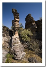 A sandstone tower along the Bardedjilidji Walk