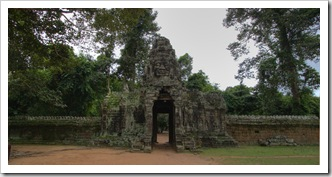 The entrance to Banteay Kdei