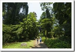 Lisa and Sophie in the Bogor Botanic Gardens