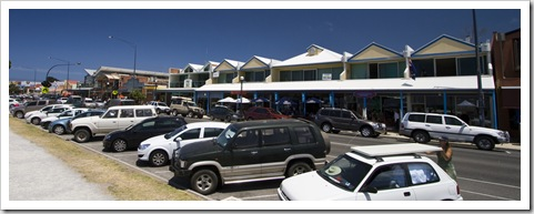 The bustling seaside town of Apollo Bay