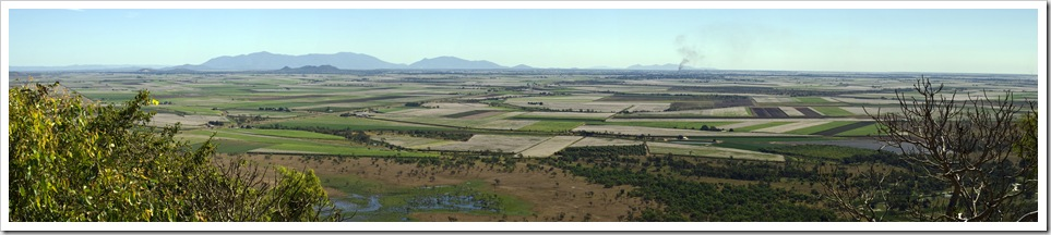 Panoramic of the cane fields coming into Townsville