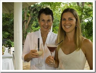 Jennni and Lisa enjoying a pre-dinner drink