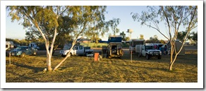 Camped with the masses at the Bedourie shire caravan park