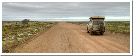 Skirting the edge of the Simpson Desert