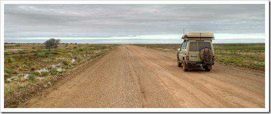 Skirting the edge of the Simpson Desert